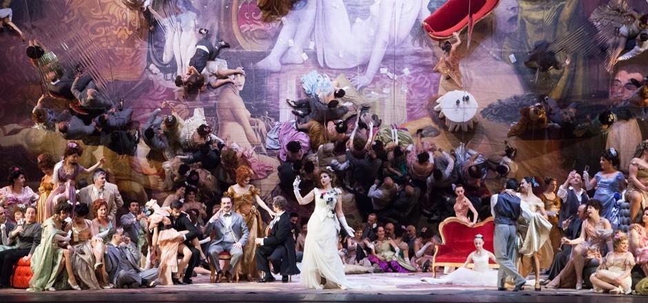 La-Traviata-04-foto-Simone-Donati-Terraproject-Contrasto-940x440