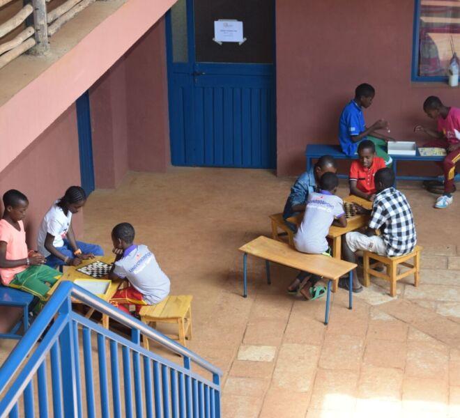 Foto 3 DSC_0046 i bambini giocano