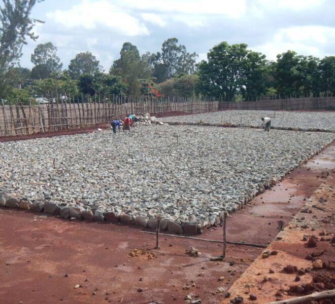 Foto 5 - DSCN2867 sassi fondamenta campi pallavolo e basket