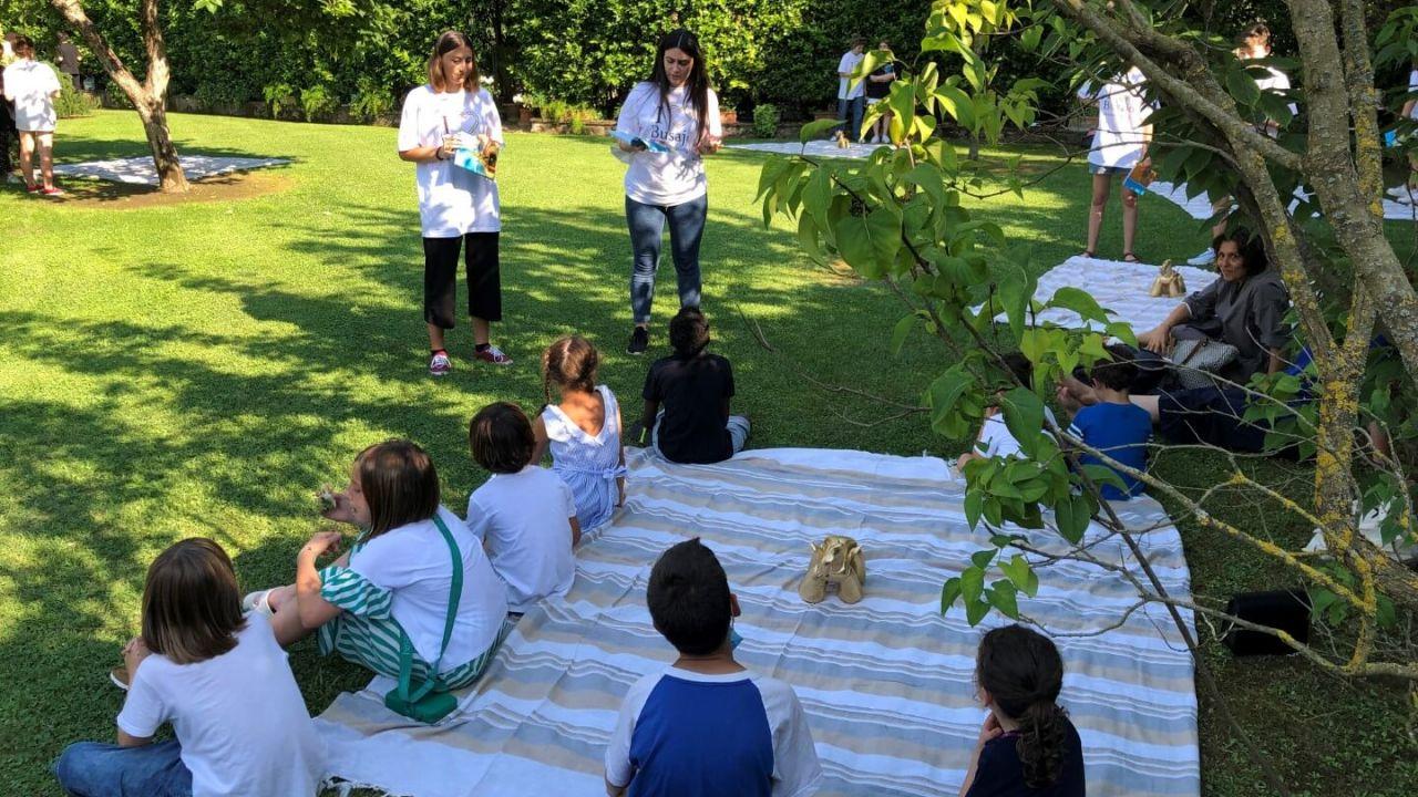 3 - Bambini ascoltano letture