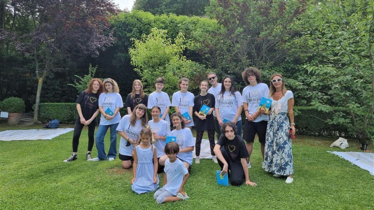 5 - Foto gruppo ragazzi con Paola